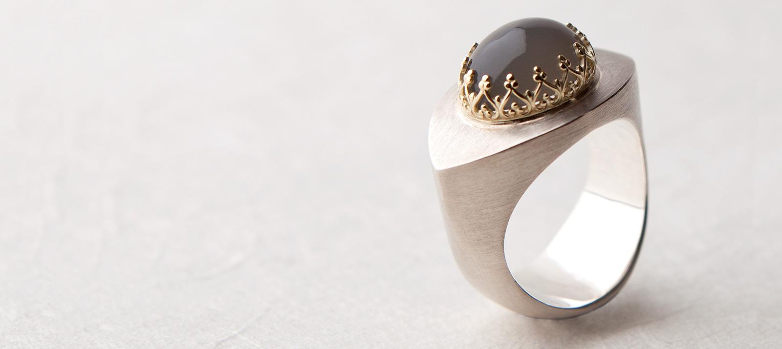 Mondstein Ring. 925 Silber, 750 Gold. Unikat.