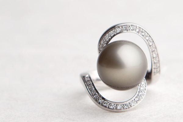 Ring. Tahiti Perle, Brillanten 750 Weißgold. Unikat.