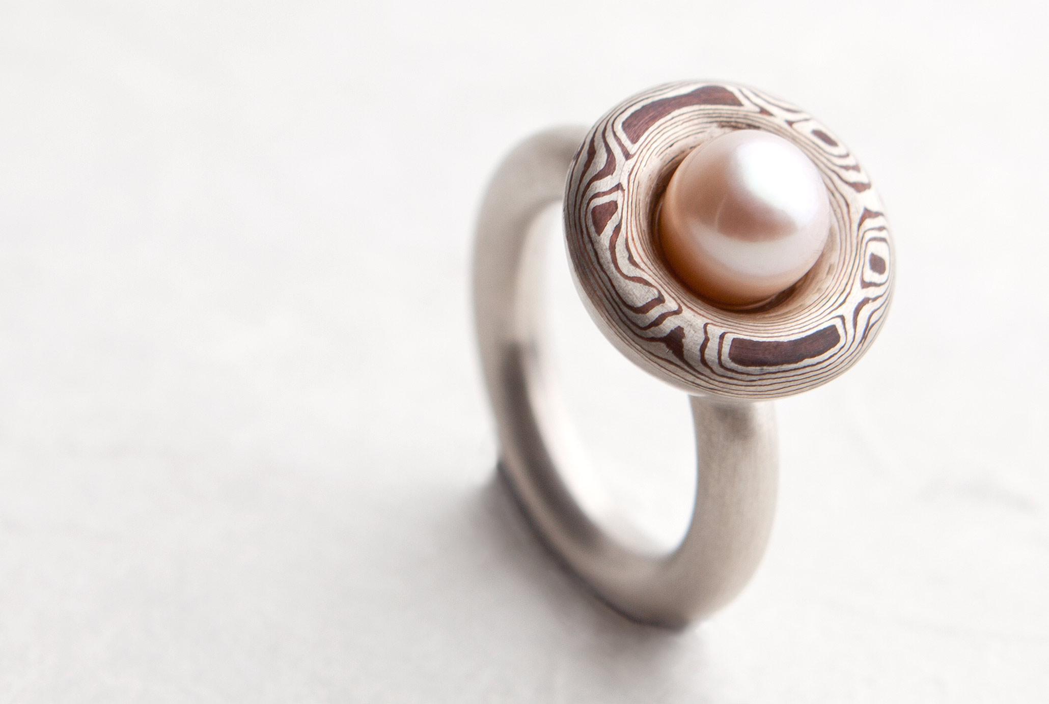 Perl Ring aus 925 Silber und Kupfer (Mokume Gane). Unikat